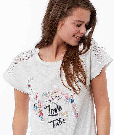 T-shirt w etniczny deseń blanc.