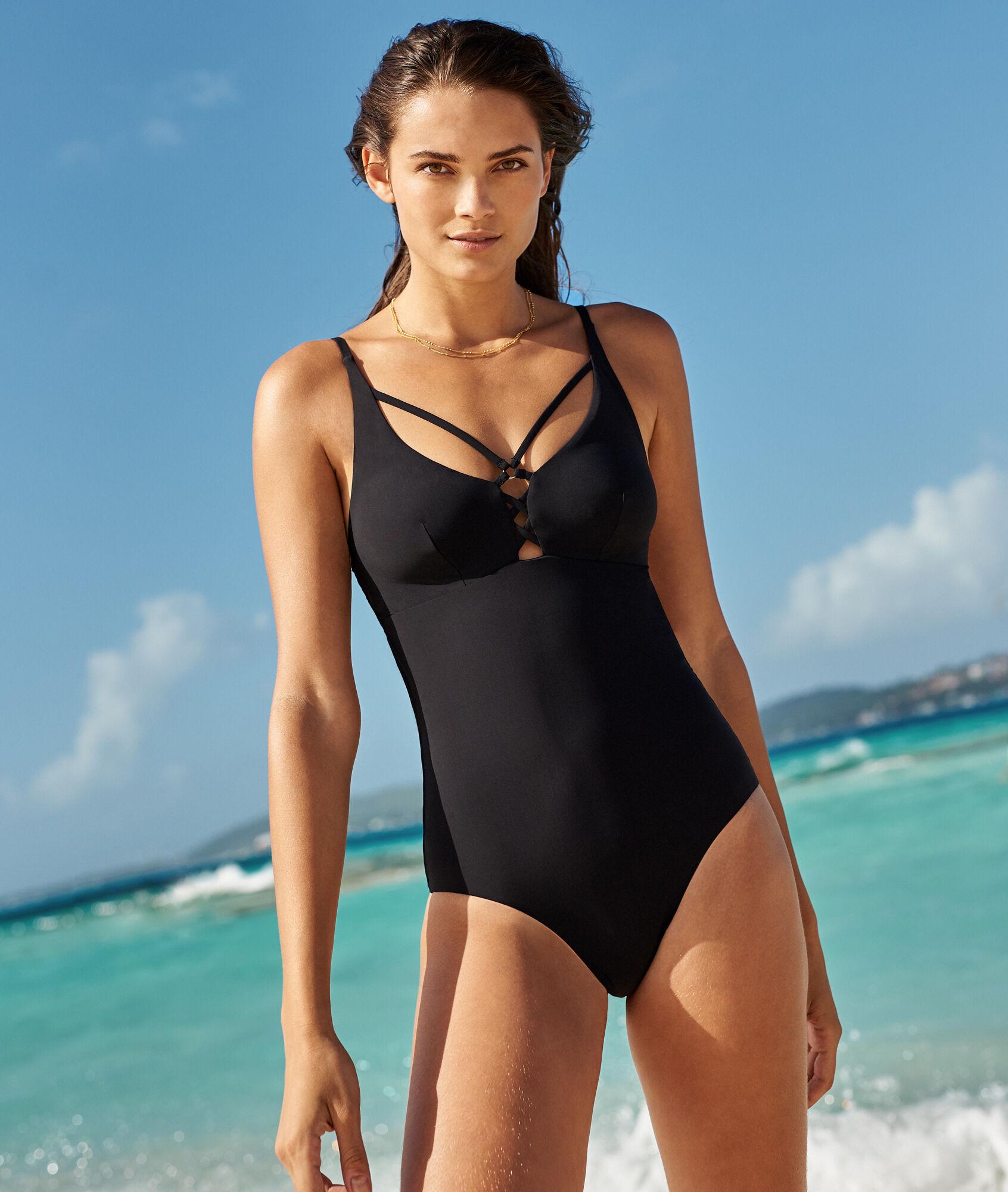 af491b55bd5faf Jednoczęściowy kostium kąpielowy, plecy wykonane z ozdobnych pasków - MALINE