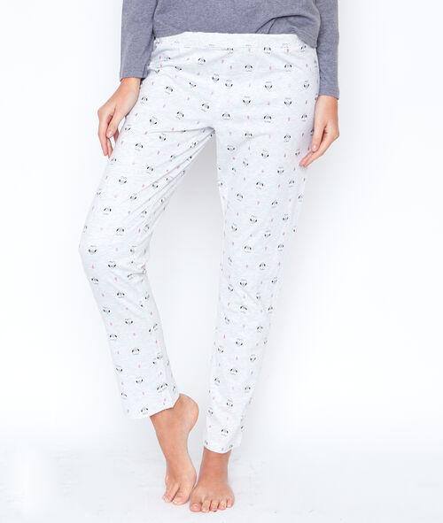 Trzyczęściowa piżama ze spodniami w deseń i bluzą polarową