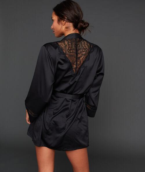 Satynowy szlafrok z koronkową wstawką na plecach