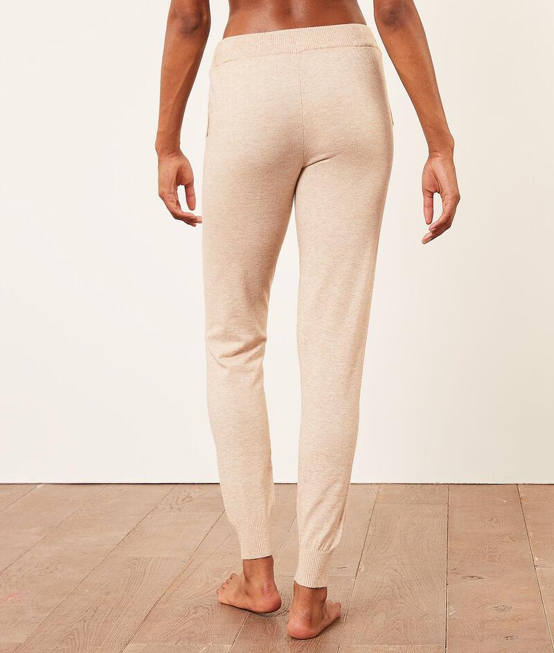 Spodnie joggery;${refinementColor}