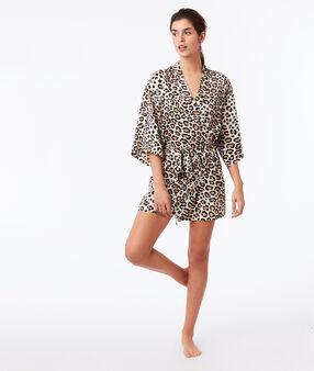 Szlafrok w cętki leoparda ecru.
