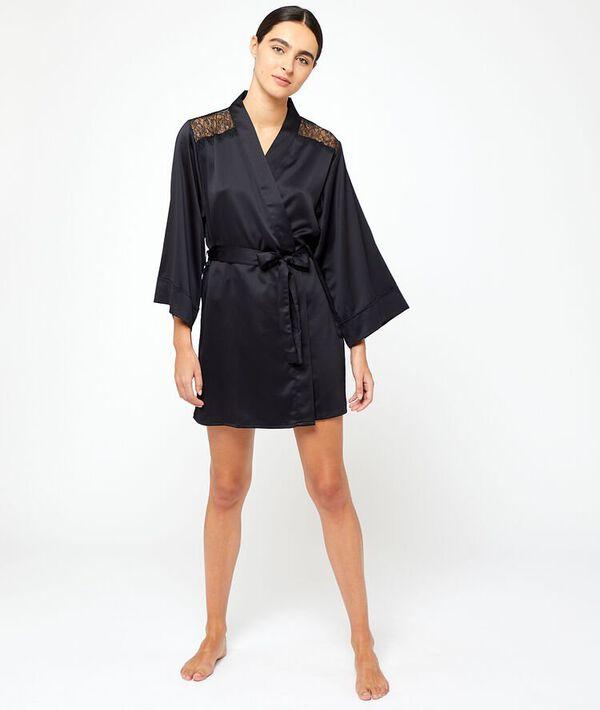 Satynowe kimono, plecy i ramiona z koronki;${refinementColor}