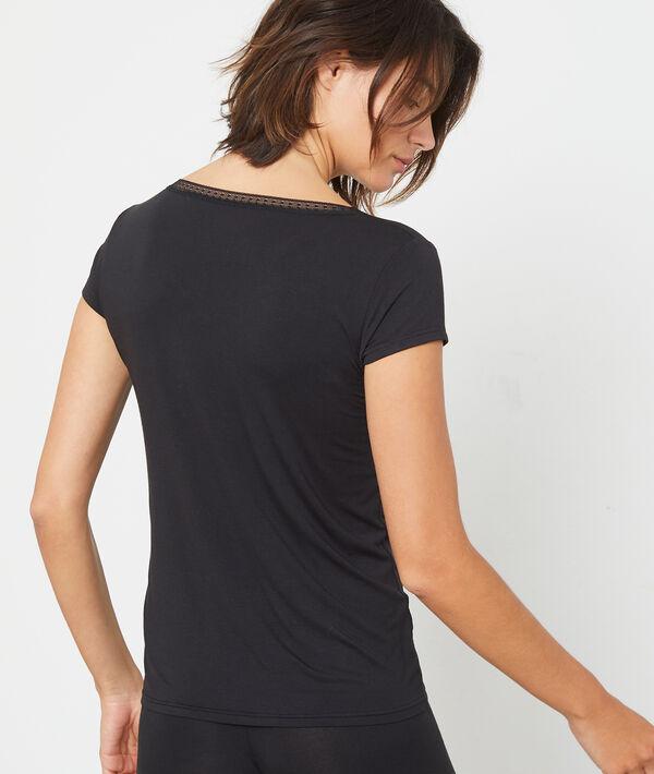 T-shirt z koronkowym dekoltem w kształcie litery V