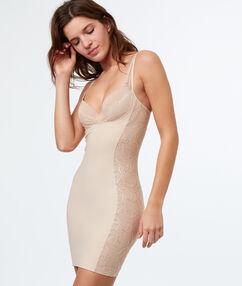 Sukienka modelująca nude.