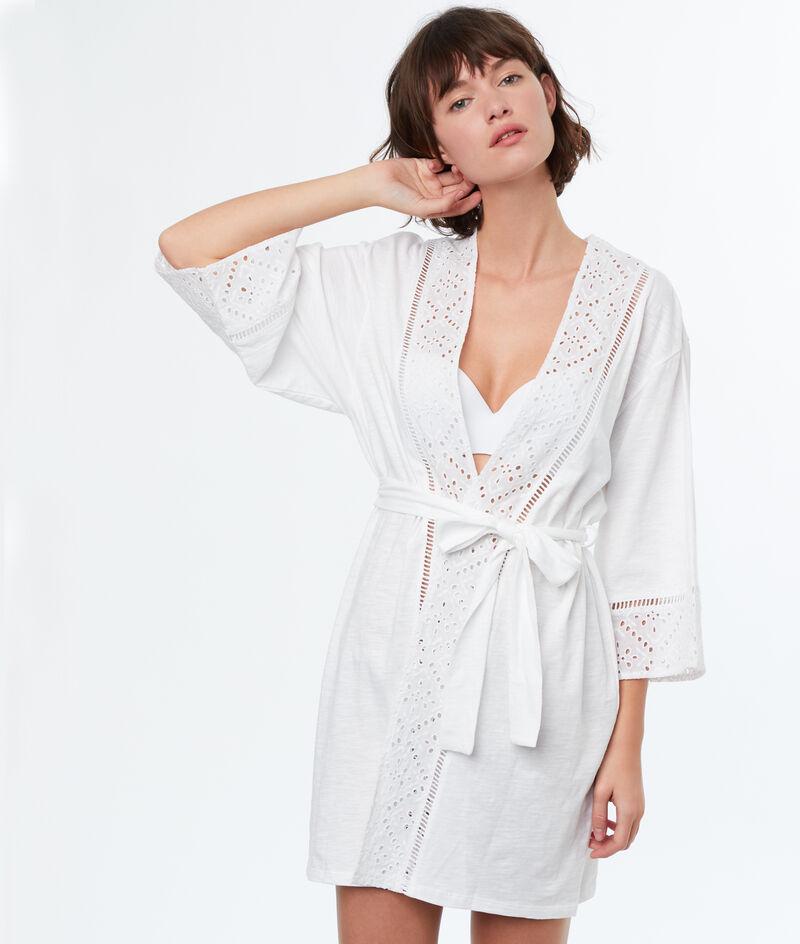 Szlafrok kimono ozdobione angielskim haftem;${refinementColor}