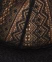 Biustonosz trójkątny bez fiszbin z koronkową baskinką