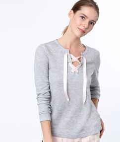 Bluza gris.