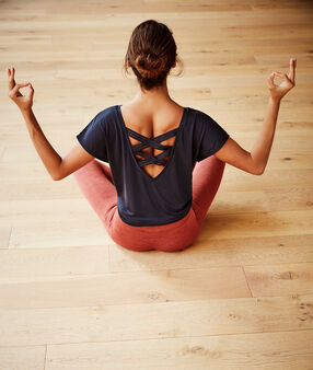 T-shirt z napisem 'yoga therapy' anthracite.