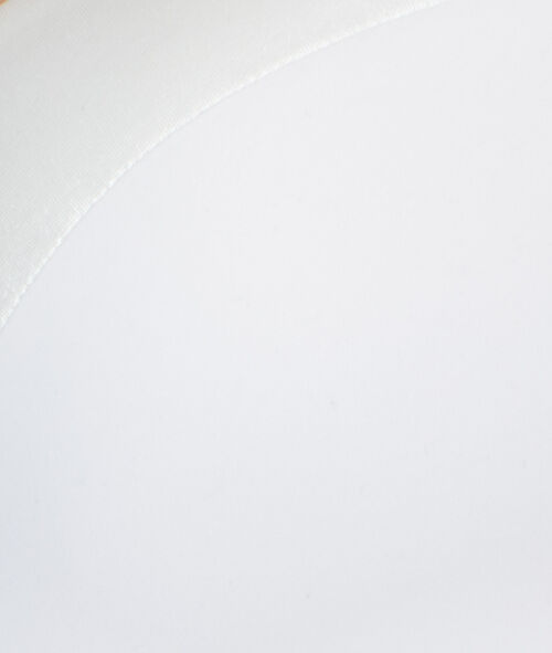 Biustonosz Magic up® z głębokim dekoltem wykonany z miękkiej mikrofibry