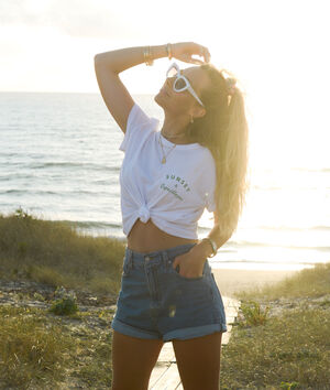 T-shirt z napisem 'sunset and coquillage';${refinementColor}