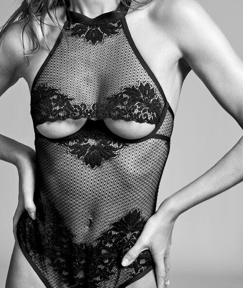 Siateczkowe body ze stringami, dekolt underboob