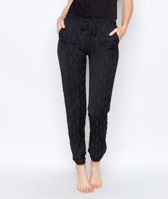 Spodnie z delikatnym motywem florystycznym noir.