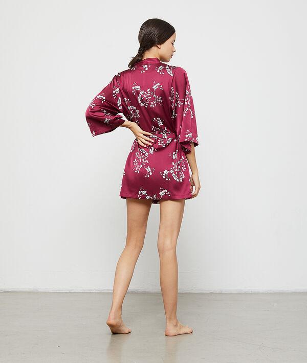 Satynowe kimono z kwiatowym nadrukiem