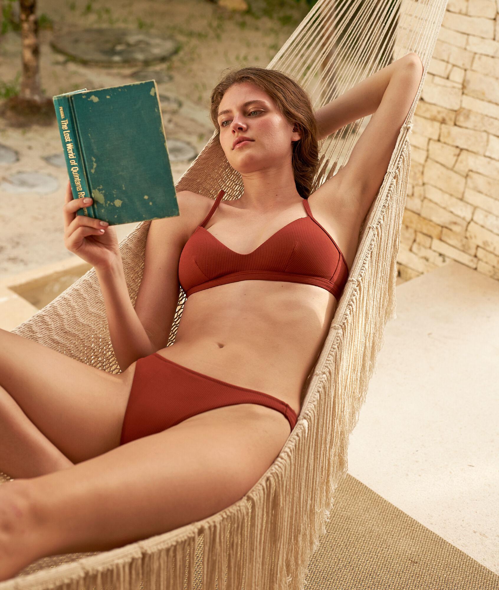 POLYNESIE Klasyczny dół bikini z wytłaczanego materiału