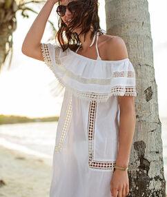Sukienka plażowa z odkrytymi ramionami biały.