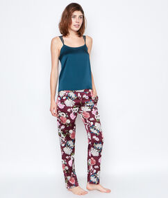 Satynowe spodnie w deseń bordeaux.