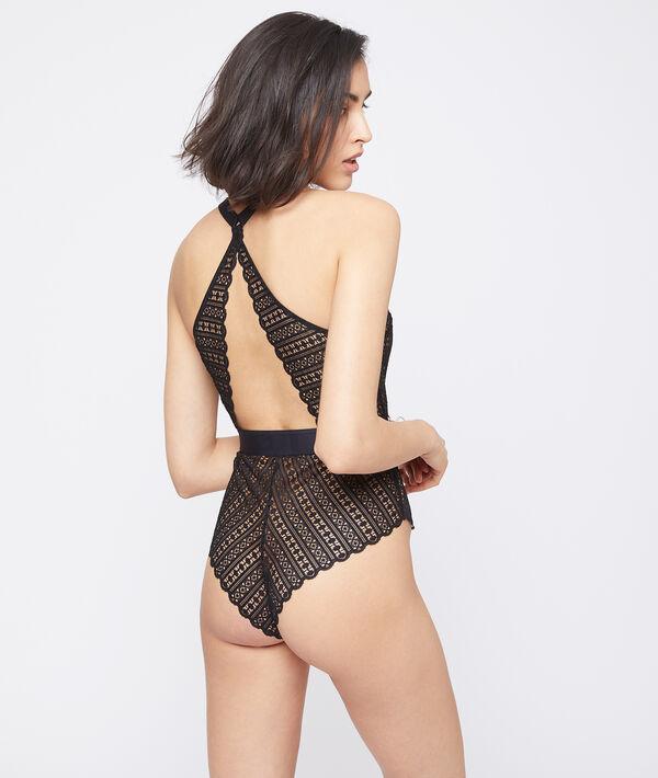 Bikini z koronki, detale klamerki