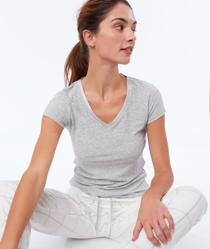 T-shirt z prążkowanego materiału z satynowym dekoltem gris.