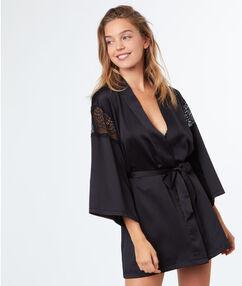 Déshabillé kimono satin dentelle noir.