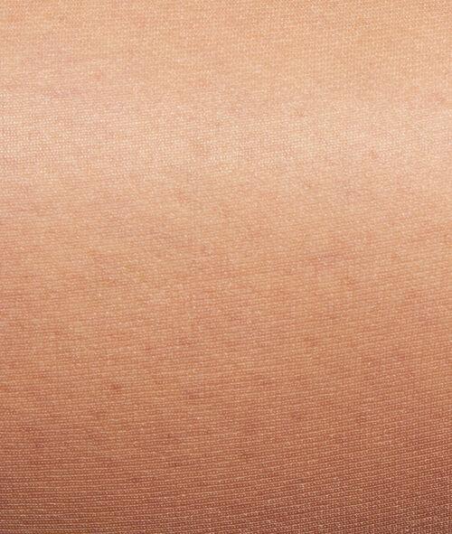 Przezroczyste rajstopy 5D, efekt muśniętych oliwką gołych nóg