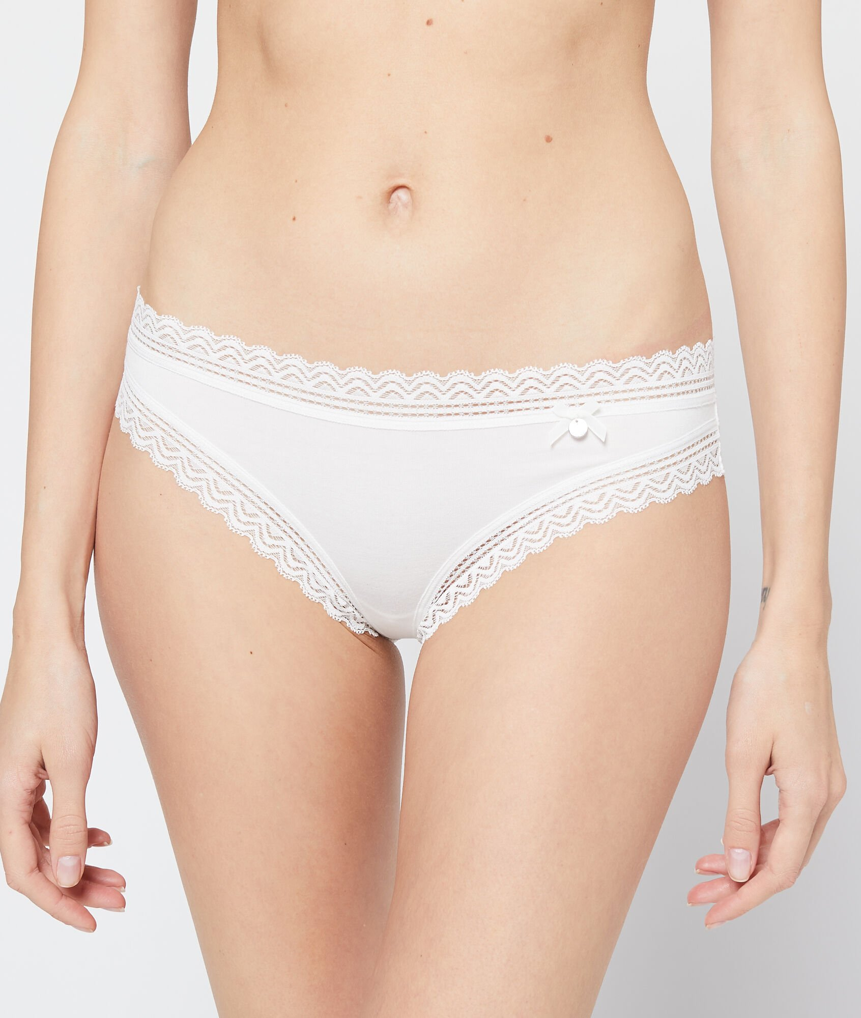 AMOUR Culotte 90% modal, bords dentelle