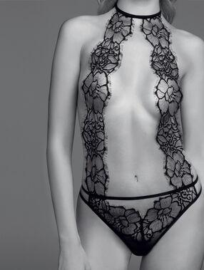 Body zdobione gipiurową koronką noir.