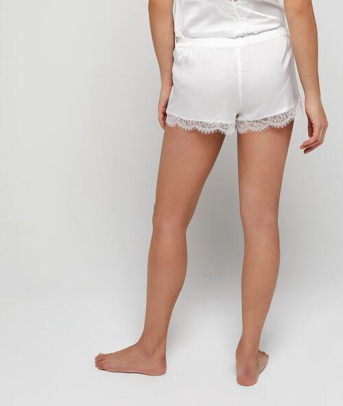 Satynowe szorty od piżamy z koronkowym wykończeniem