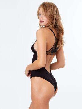 Body z wyciętymi plecami, haftowany detal czarny.