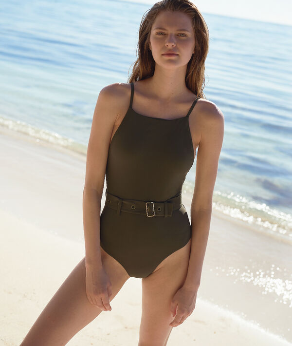 Jednoczęściowy kostium kąpielowy z paskiem