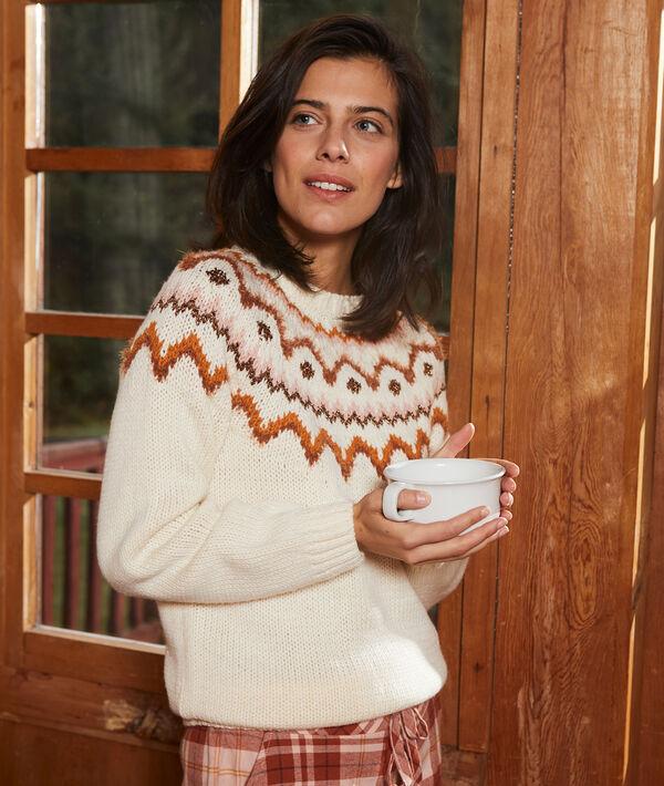 Gruby sweter w zimowe motywy