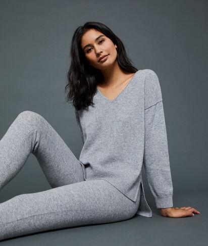 Kaszmirowy sweter z dekoltem w kształcie litery V;${refinementColor}